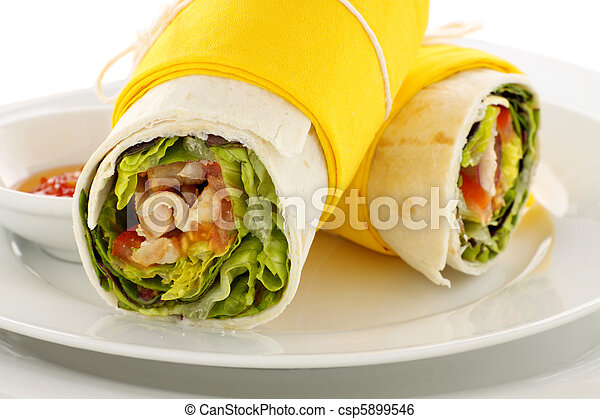 Spicy Chicken Wraps - csp5899546