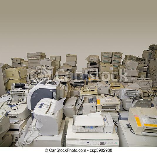 E-waste - csp5902988