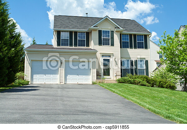 Front View Vinyl Siding Single Family House MD - csp5911855