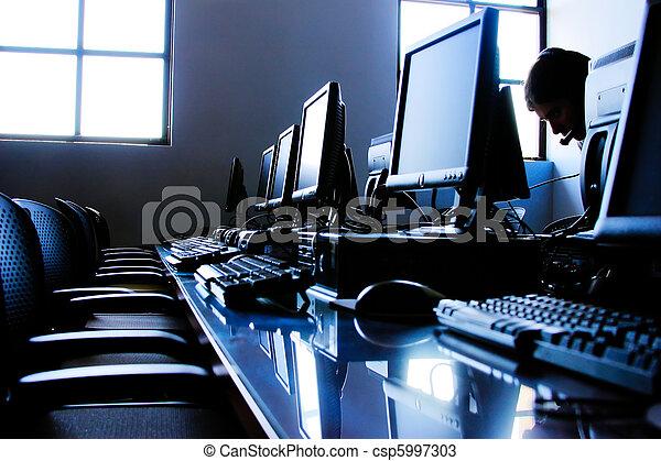它, 辦公室 - csp5997303