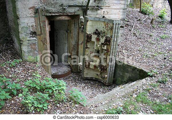 stock fotos von bunker eingang altes entrance in. Black Bedroom Furniture Sets. Home Design Ideas
