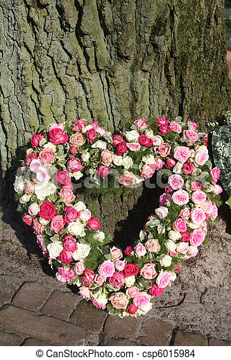 Heart shaped sympathy floral arrangement - csp6015984