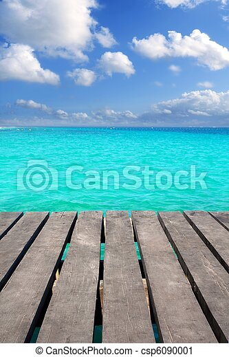 Caribbean wood pier with turquoise aqua sea - csp6090001