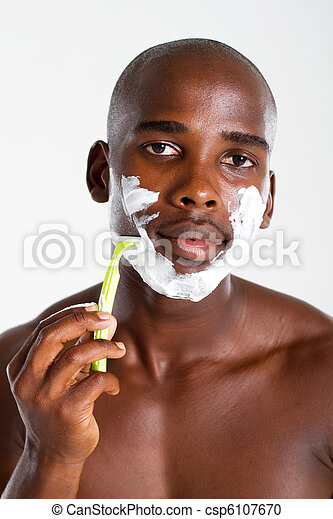 photographies de am ricain homme africaine rasage homme am ricain csp6107670. Black Bedroom Furniture Sets. Home Design Ideas