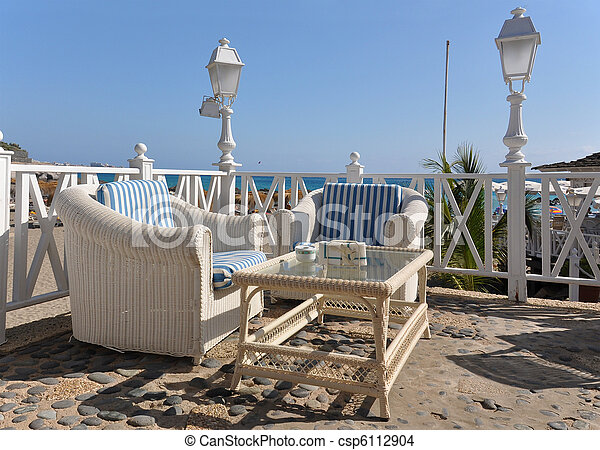 Stock de fotos dos bast n sillones tabla terraza - Sillones tenerife ...