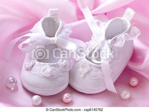 Handmade white baby booties - csp6145762