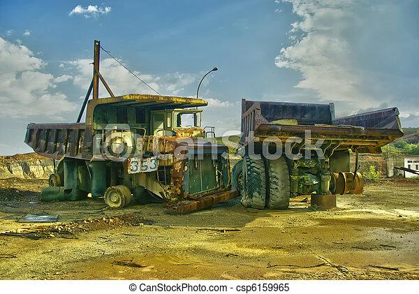 Mineração, caminhões - csp6159965