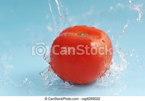 Tomato and water splashes