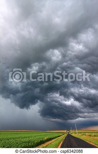 Severe Thunderstorm in Illinois - csp6342088