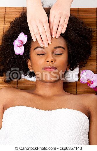 Facial massage in beauty spa - csp6357143