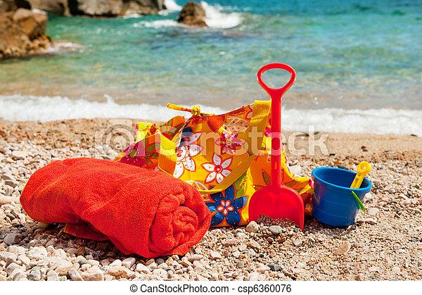 image de plage sac serviette plastique jouets vacances csp6360076 recherchez des. Black Bedroom Furniture Sets. Home Design Ideas