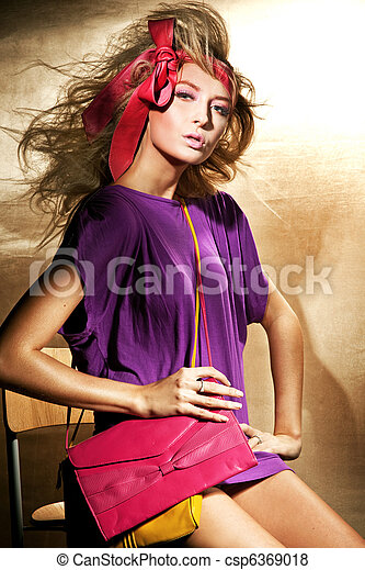 Pin up woman - csp6369018