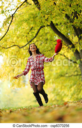 otoño, mujer - csp6370256