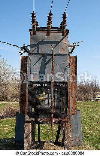 photo de transformateur vieux rouill transformateur haute csp6380084 recherchez des. Black Bedroom Furniture Sets. Home Design Ideas