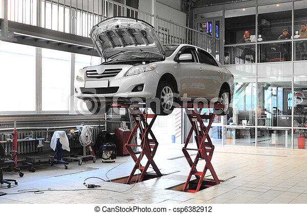 photo de voiture ascenseur r paration garage csp6382912. Black Bedroom Furniture Sets. Home Design Ideas