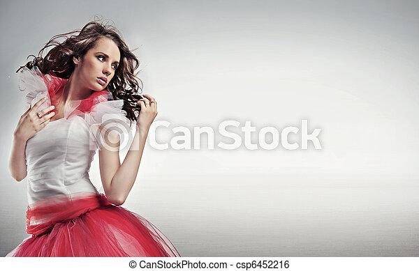 黑發淺黑膚色女子, 空間, 簽, 相當, 模仿, 矯柔造作 - csp6452216