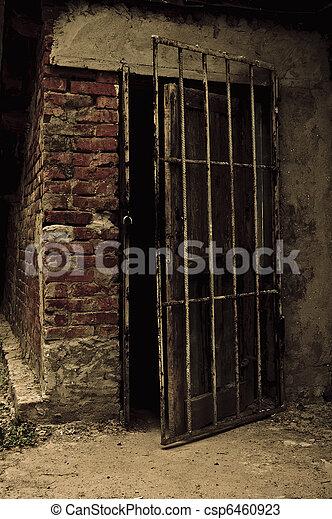 Photos de cave vieux mener sombre porte ouvert for Porte de cave