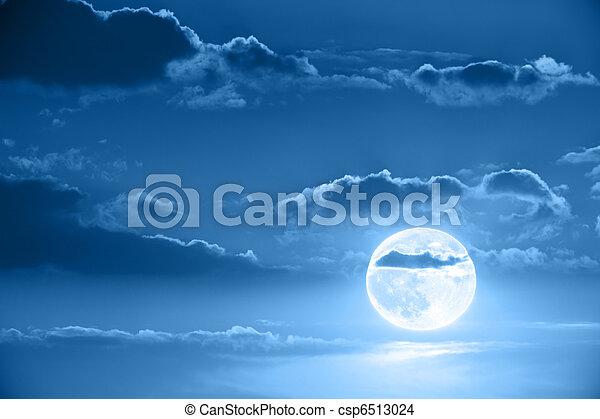 Moon in night sky - csp6513024