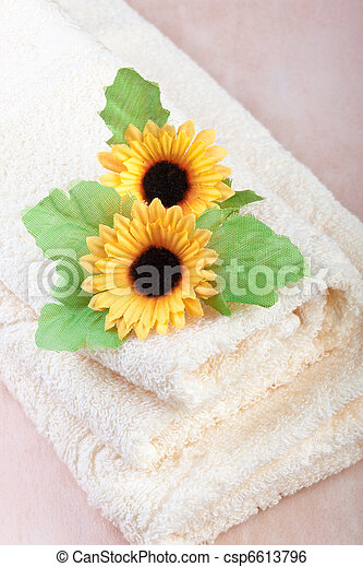 comfortable hotel towels - csp6613796