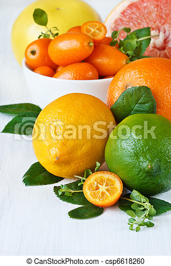 Assortment citrus fruit. - csp6618260