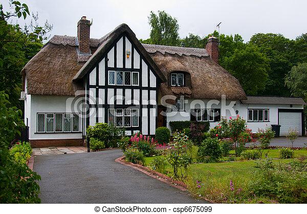 Banque de photographies de petite maison pays anglaise for Maison anglaise typique plan
