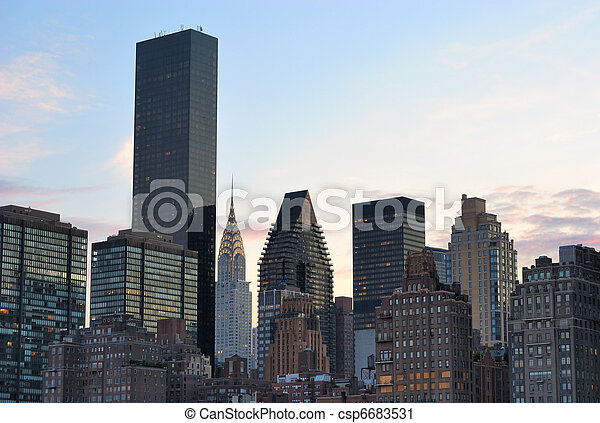 New York City Skyline with Chrysler Building - csp6683531