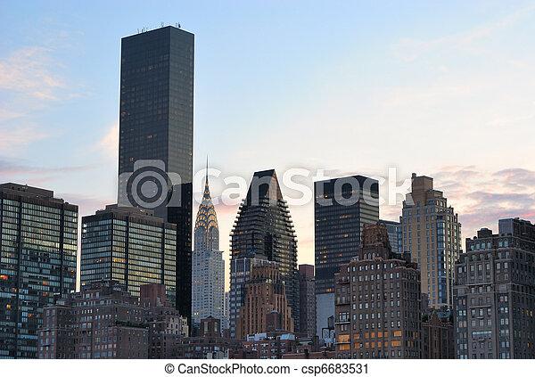 New York City Skyline with Chrysler Building - csp6683531