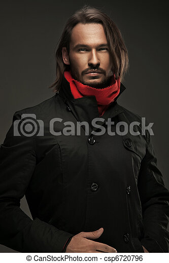 Handsome guy wearing autumn clothes - csp6720796