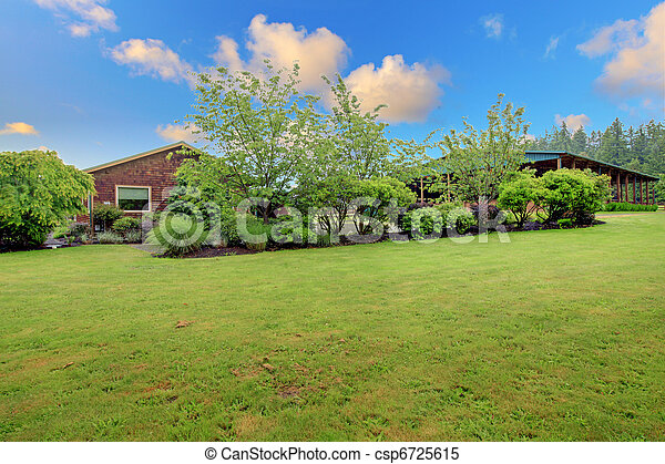 Horse ranch arena and small cider house - csp6725615