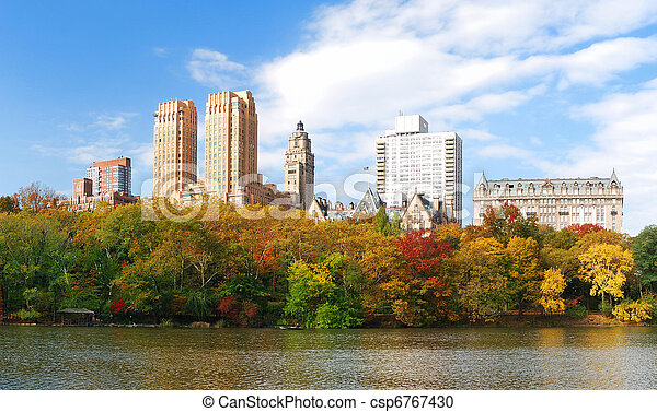 New York City Central Park in Autumn Manhattan panorama - csp6767430