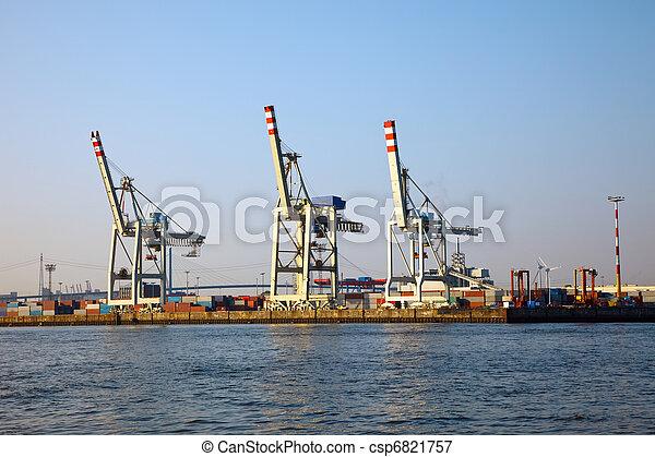 Cranes in Hamburg harbor - csp6821757