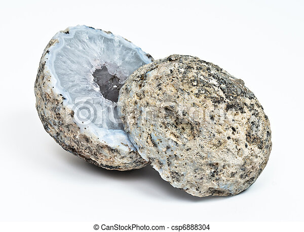Crystal geode divided in two parts  - csp6888304