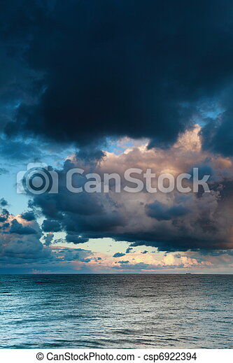 Blue sea sky, storm, tempest - csp6922394