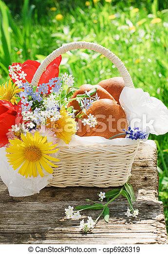 Um, cesta, patties, flores, jardim - csp6926319