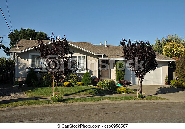 Single family house one story with driveway - csp6958587