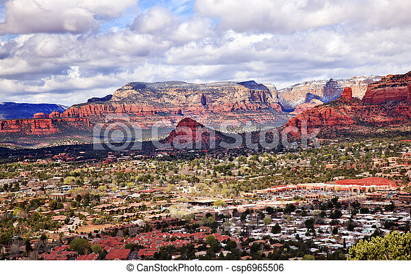 Chimney Rock Bear Mountain Orange Red Rock Canyon Houses, Shopping Malls, Blue Cloudy Sky Green Trees Snow West Sedona Arizona - csp6965506