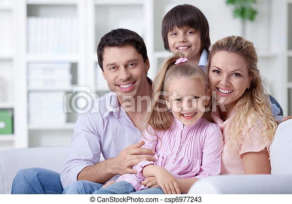 hem, familj - csp6977243