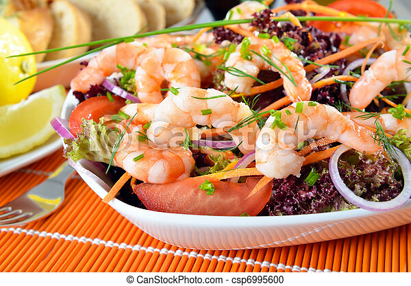 Italian salad with shrimps - csp6995600