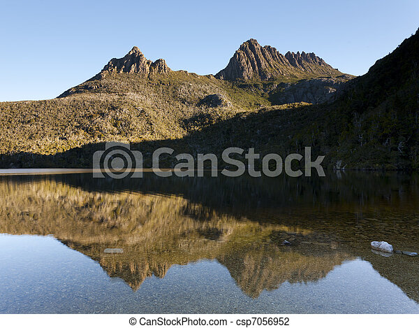 Dove Lake and Cradle Mountain from the Dove Lake Circuit, Tasmania, Australia - csp7056952