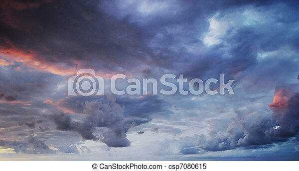 Dramatic colorful sky and sea - csp7080615
