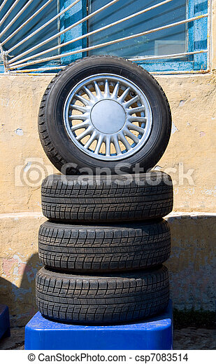 automobile wheels - csp7083514