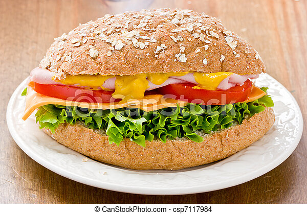 Wholemeal Ham Salad  Sandwich - csp7117984