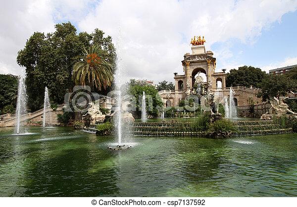 Fountain in Parc De la Ciutadella in Barcelona, Spain - csp7137592