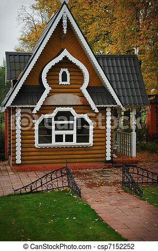 photo de traditionnel bois maison moderne automne russe csp7152252 recherchez des. Black Bedroom Furniture Sets. Home Design Ideas