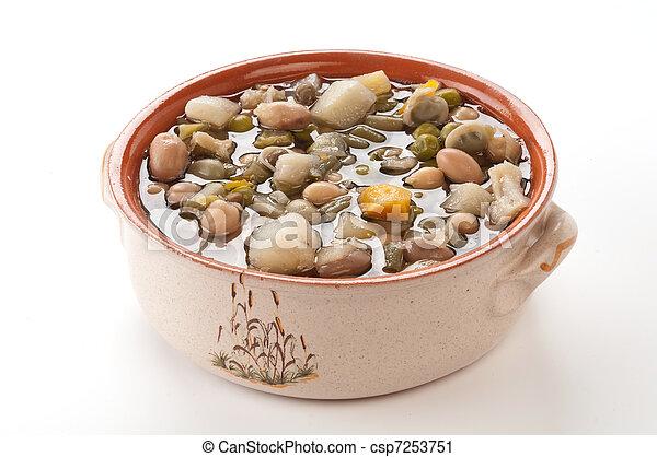 Zuppa di verdure nella ciotola - csp7253751