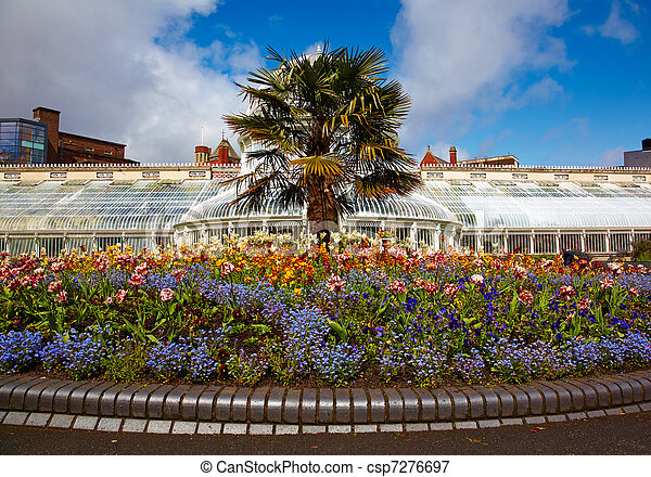 Belfast Botanic Gardens - csp7276697