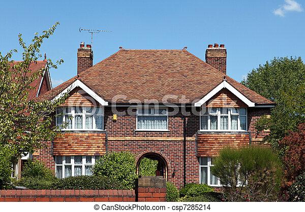Photo de typique anglaise maison csp7285214 recherchez for Maison anglaise typique plan
