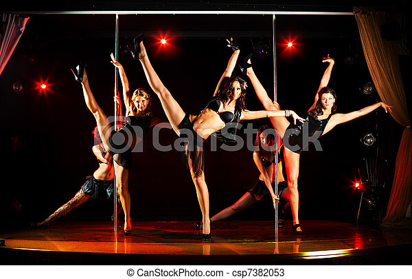 Five women acrobatic show - csp7382053