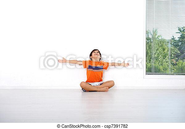 Happy children sitting at home, indoor - csp7391782