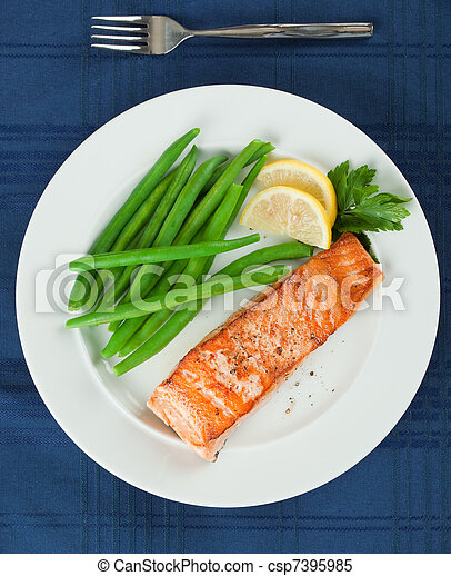 Grilled Salmon Fillet with Green Beans Plate - csp7395985
